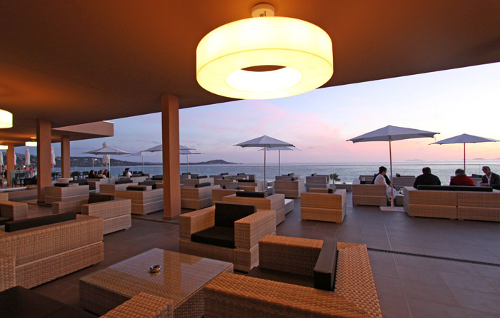 bar lounge ajaccio
