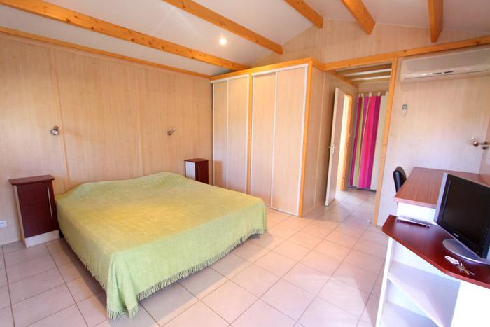 hotel maora village