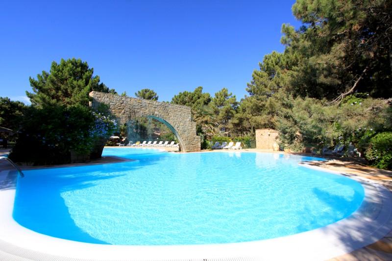 Village de vacances le village des isles la - Village vacances auvergne piscine ...