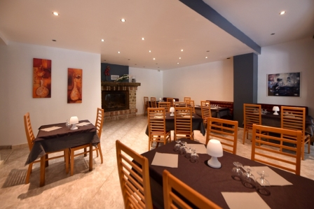 hotel arena restaurant